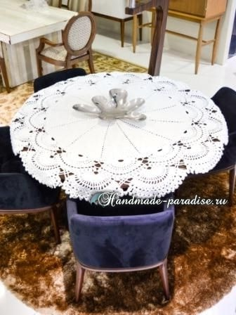Большая салфетка крючком для круглого столика (2)