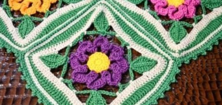 Крючком. Декоративная салфетка «Цветочный сад» (2)