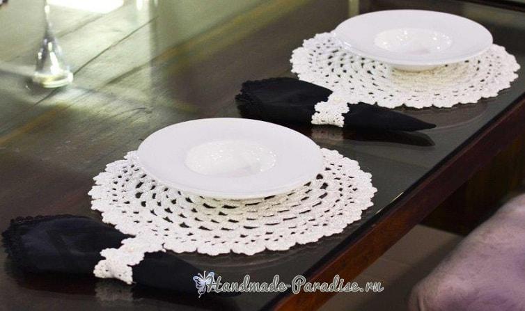 Вязаные салфетки и кольца для сервировки стола (1)