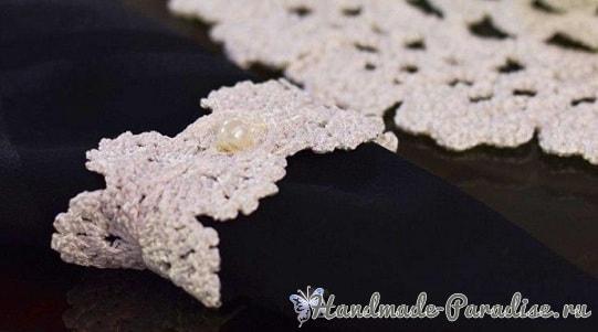 Вязаные салфетки и кольца для сервировки стола (3)
