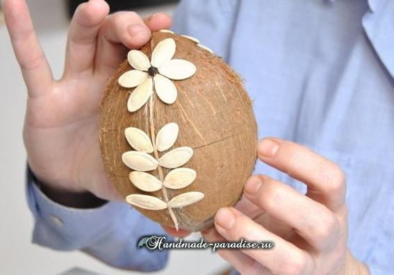 Декоративные пасхальные яйца из кокоса (4)