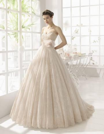 Где найти эксклюзивное кружевное свадебное платье в Москве