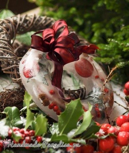 Ледяной рождественский венок из природных материалов (5)