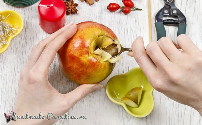 Рождественские свечи с яблочными подсвечниками (11)