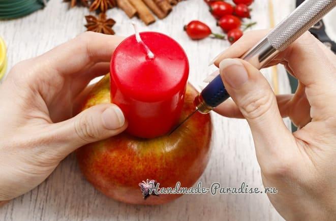 Рождественские свечи с яблочными подсвечниками (7)