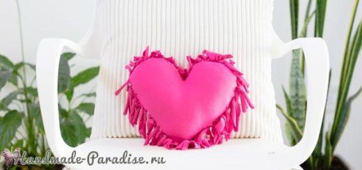 Бесшовная сердечная подушка из футболок (11)