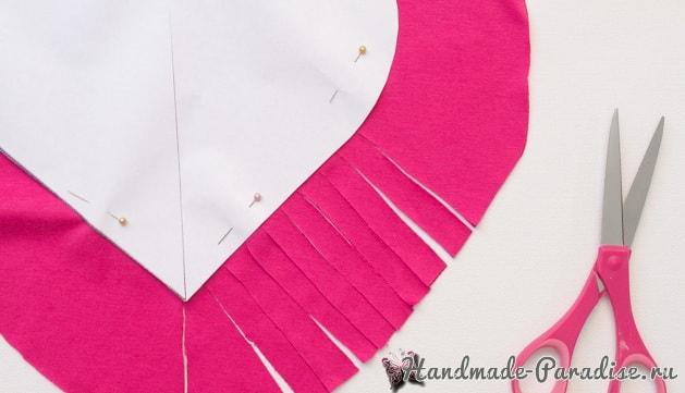 Бесшовная сердечная подушка из футболок (6)