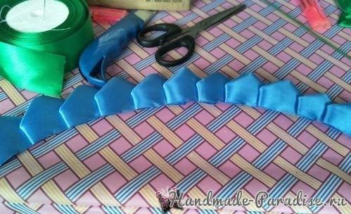 Букет синих роз из атласных лент своими руками (3)