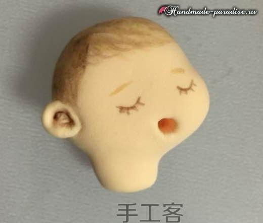 Младенец в пеленках. Лепка из полимерной глины (1)