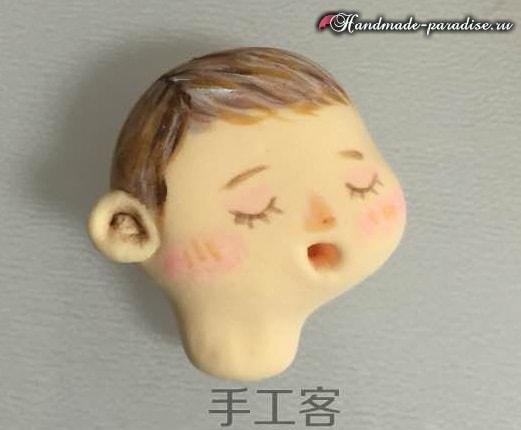Младенец в пеленках. Лепка из полимерной глины (6)