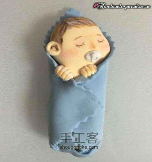 Младенец в пеленках. Лепка из полимерной глины (9)