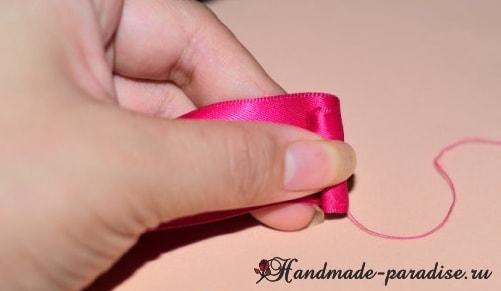 Изысканные красные розочки из лент. Мастер-класс (10)