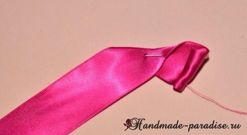 Изысканные красные розочки из лент (1)