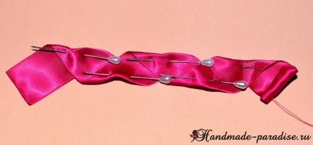 Изысканные красные розочки из лент (5)