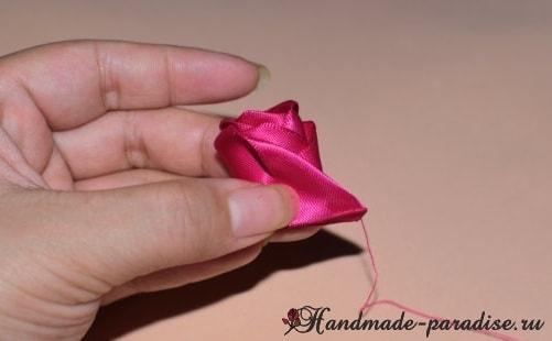 Мастер-класс - розы из лент (3)