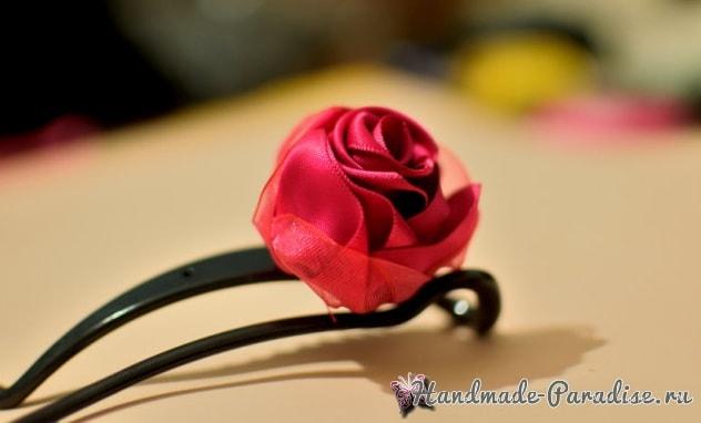 Изысканные красные розочки из лент. Мастер-класс (3)