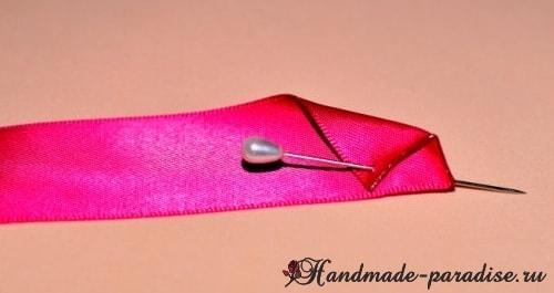 Изысканные красные розочки из лент. Мастер-класс (4)