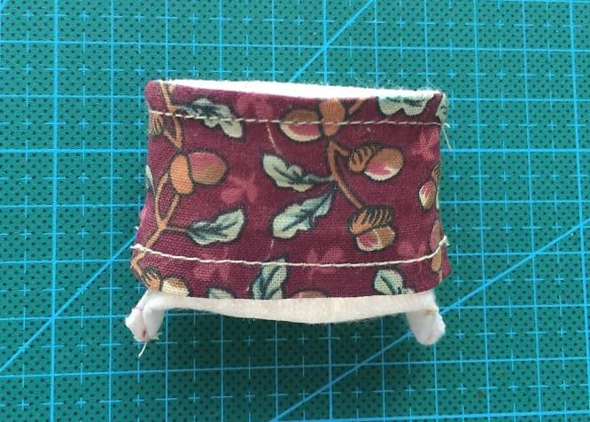 Как сшить кожаные ботинки и сумочку для куклы (10)