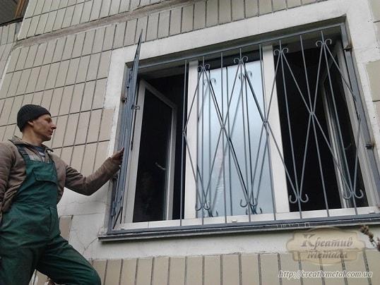 Делаем распашные решетки на окна своими руками (1)