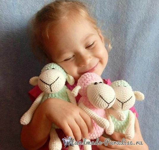 Детская вязаная игрушка - овечка крючком (3)