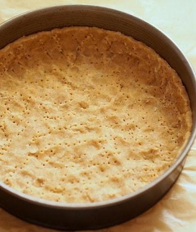 Весенний пасхальный тарт со шпинатом и яйцами (3)