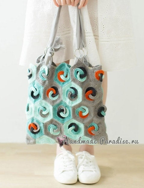 Летняя сумка-мешок крючком в стиле пэчворк (2)