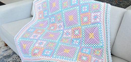 Нежный детский плед бабушкиными квадратами (2)