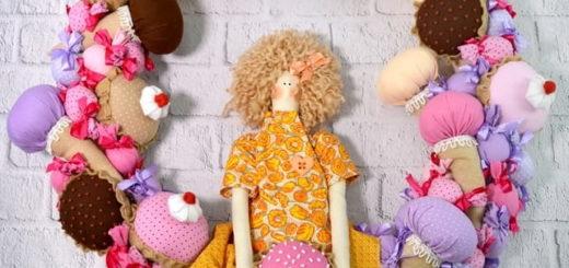 Текстильный венок с куклой-тильдой (2)