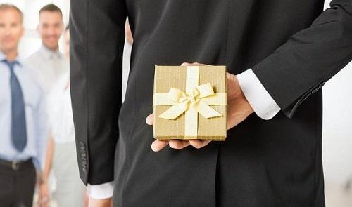 Выбираем оригинальные подарки для родных и близких