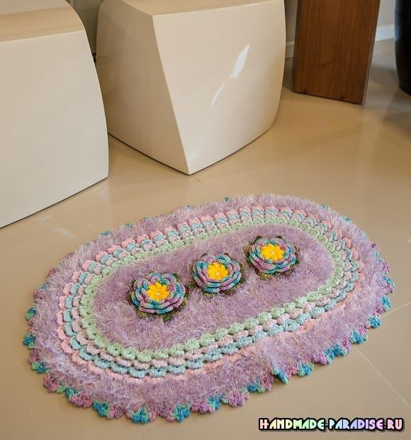 Лиловый коврик с цветами крючком (1)