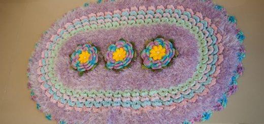 Лиловый коврик с цветами крючком (2)
