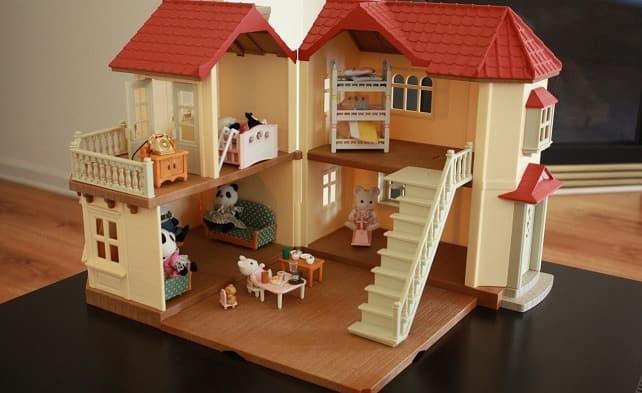 Подарок девочке - выбор домика для кукол (1)