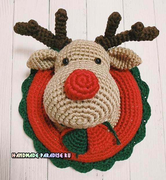 Рождественский олень - детское панно крючком (1)