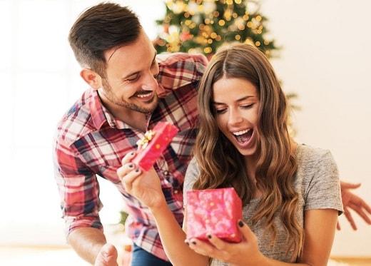 Что подарить на Новый Год любимой девушке
