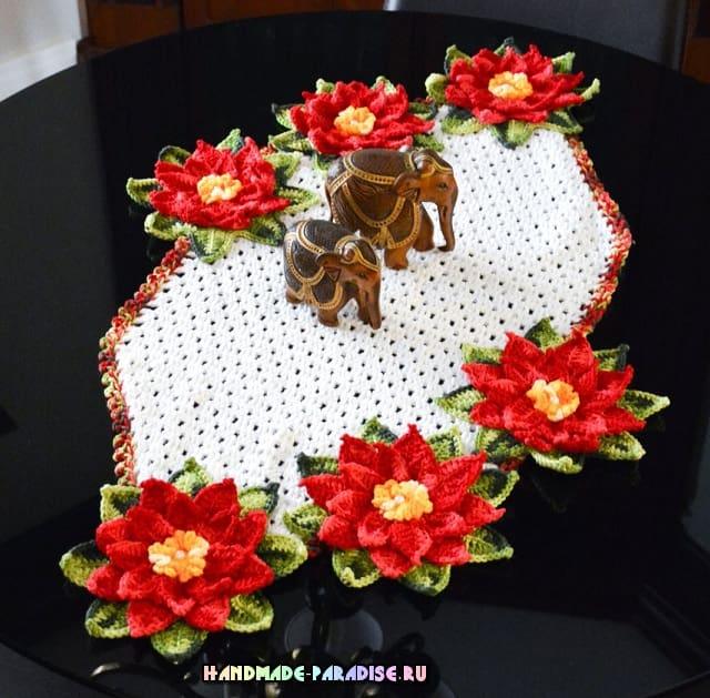Салфетка крючком с рождественской пуансеттией (1)