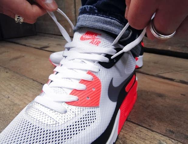 Оригинальные способы шнуровки белых Найков (1)