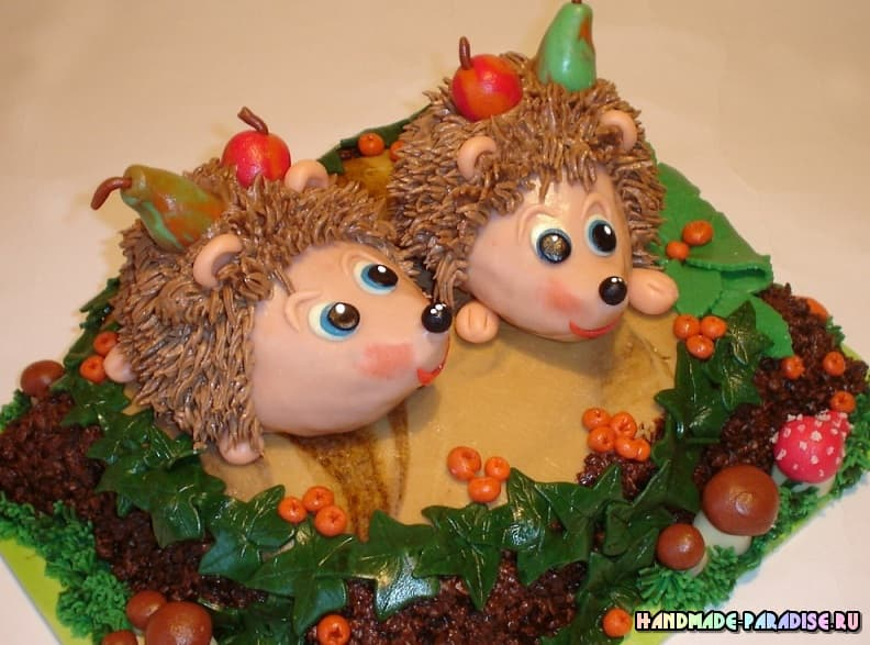 Детский торт с ежиками из марципана (5)