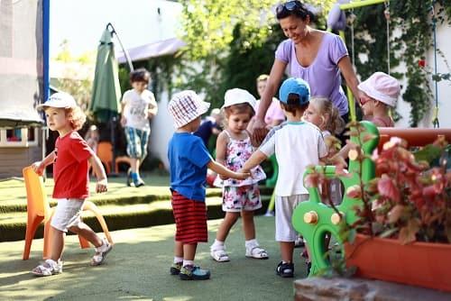 Во сколько лет отдавать ребенка в детский сад (1)