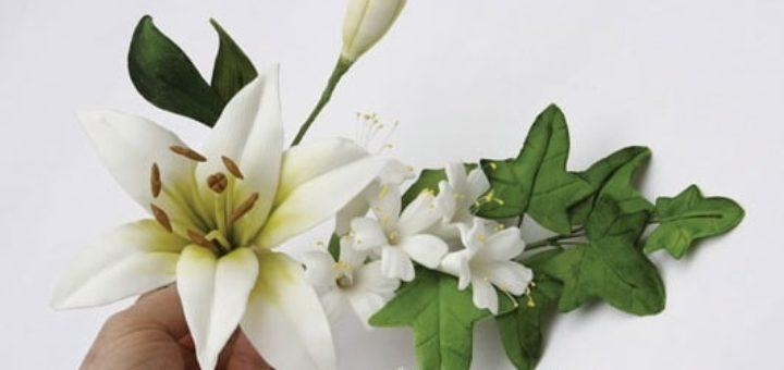 Лилии из сахарной мастики для свадебного торта (2)