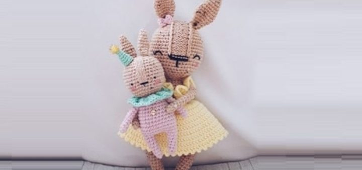 Крольчиха с малышом амигуруми. Описание вязания (1)