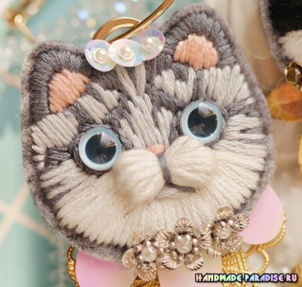 Детская вышивка. Броши с кошками (3)
