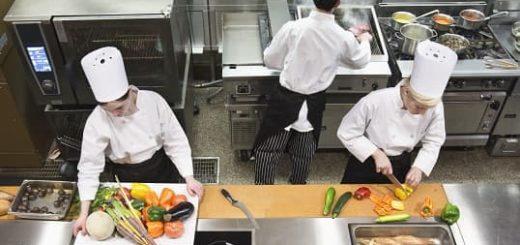 Преимущества и особенности применения холодильных столов (2)