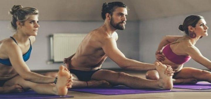 Практика йоги в центре Be in Bikram (2)