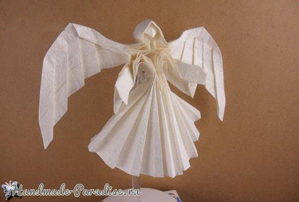 Ангел в технике трехмерное оригами из бумаги (1)