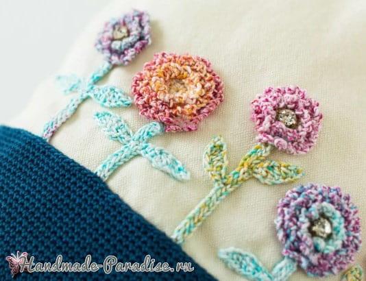 Сумочка-мешок с аппликацией из вязаных цветов (1)