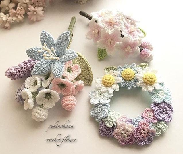 Цветы крючком. Вязаные броши и украшения (2)