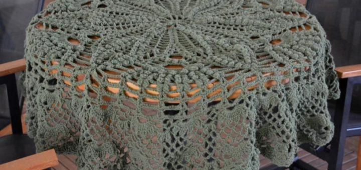 Объемная скатерть крючком для круглого столика (2)