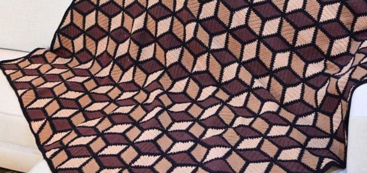 Плед крючком трехцветным узором «Кубики» (2)