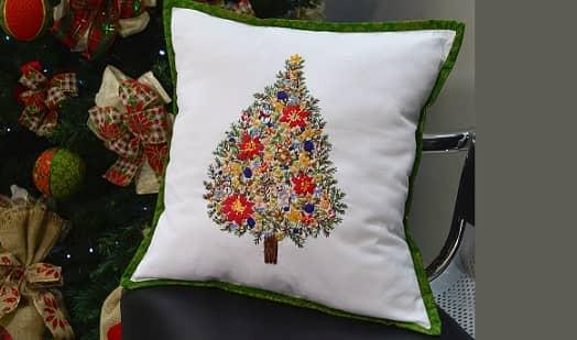 Подушка с вышивкой «Новогодняя елка» (2)
