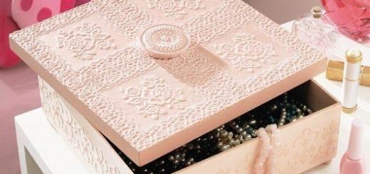 Декор коробочки салфетками и пастой для моделирования